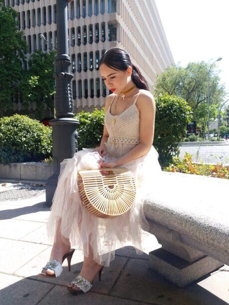 vestido de ganchillo y tul en color crudo muy muy bonito ideal para todas las ocaciones